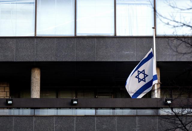 الإضراب يوقف عمل كافة السفارات والقنصليات الإسرائيلية