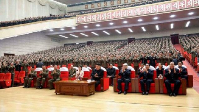 صحيفة: حضور زعيم كوريا الشمالية حفلا برفقة شقيقته الصغرى يدل على زيادة نفوذها السياسي