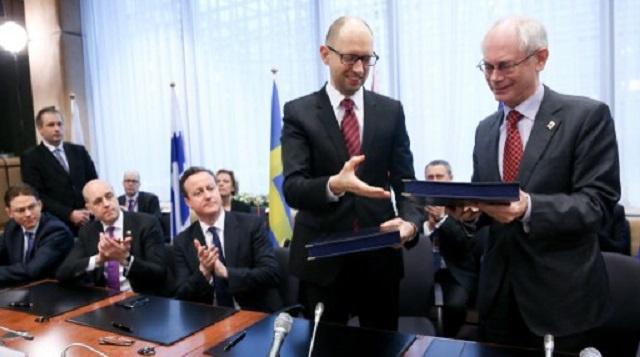 مصدر دبلوماسي: توقيع الجزء السياسي لاتفاقية الشراكة بين أوكرانيا والاتحاد الأوروبي خطوة مستعجلة