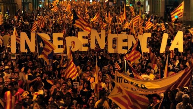 المحكمة الدستورية الإسبانية: قرار برلمان كاتالونيا يتناقض مع الدستور