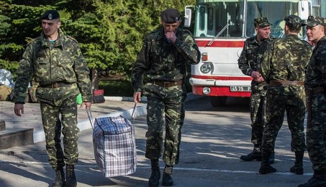 اتفاق بين وزارتي دفاع روسيا وأوكرنيا حول مغادرة العسكريين الأوكرانيين للقرم