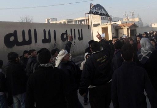 الاستخبارات الامريكية: عناصر القاعدة من باكستان في سورية تخطط لضرب اوروبا وامريكا