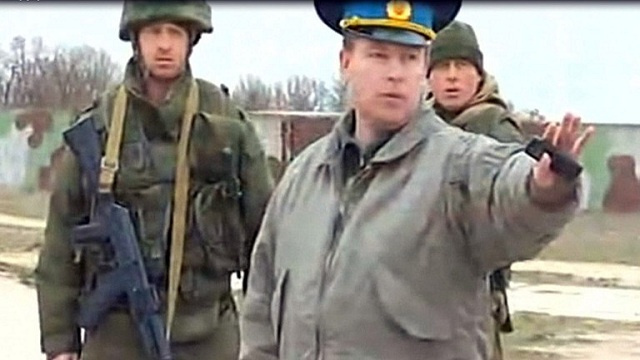 الإفراج عن الضباط الأوكرانيين المحتجزين بالقرم