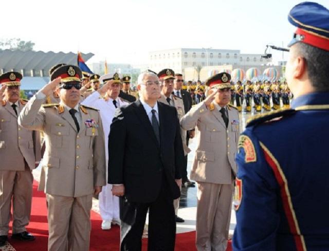 صدقي صبحي يؤدي اليمين وزيرا للدفاع وتعيين محمود حجازي رئيسا للأركان في مصر