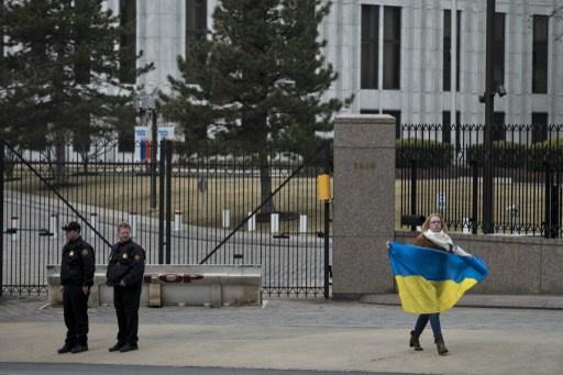 كييف تخطط لتقليص عدد دبلوماسييها في روسيا