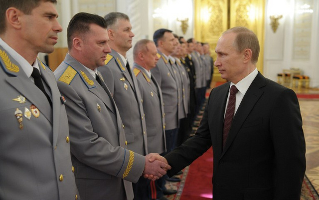 بوتين يدعو رجال الاجهزة الامنية الى الاستفادة من خبرة تنظيم الالعاب الاولمبية في سوتشي