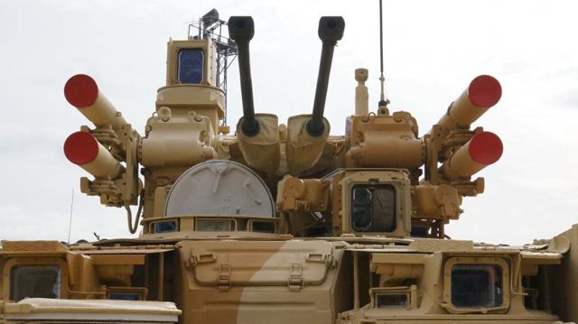 روسيا تستعد لتسليم زهاء 350 قطعة من المعدات العسكرية إلى أوكرانيا