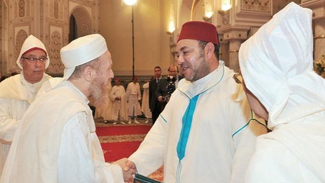 العاهل المغربي يحضر خطبة جمعة ألقاها شيخ سلفي حوكم سابقا بتهمة الإرهاب