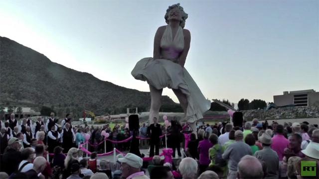تمثال مارلين مونرو يغادر صحراء كاليفورنيا إلى ساحل ولاية نيو جيرسي (فيديو)