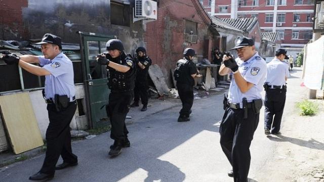 الشرطة الصينية تلقي القبض على مشتبه بهم في حادثة كونمينغ