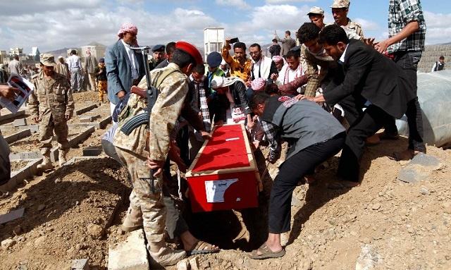 مقتل عنصرين من اللجان الشعبية المسلحة في جنوب اليمن على يد مسلحي القاعدة