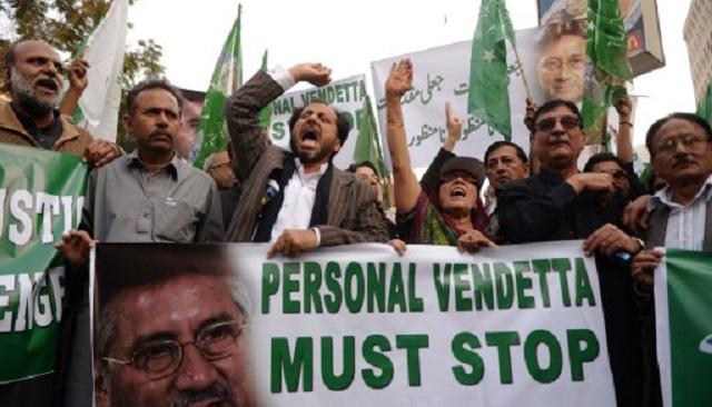 محكمة خاصة في إسلام آباد تدين مشرف بالخيانة العظمى