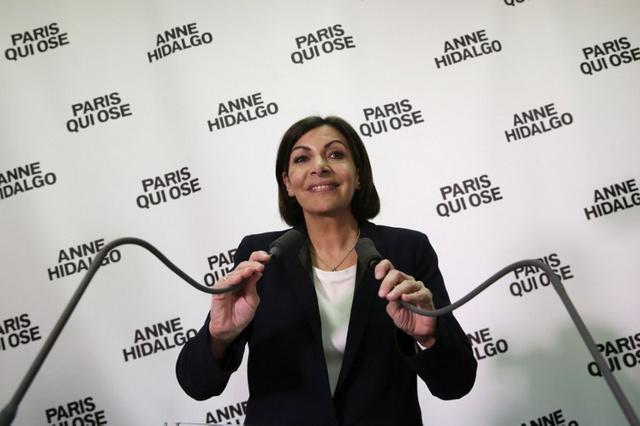 خسائر مؤلمة للاشتراكيين في الانتخابات البلدية بفرنسا.. وآن هيدالغو أول إمرأة تفوز بمنصب عمدة باريس