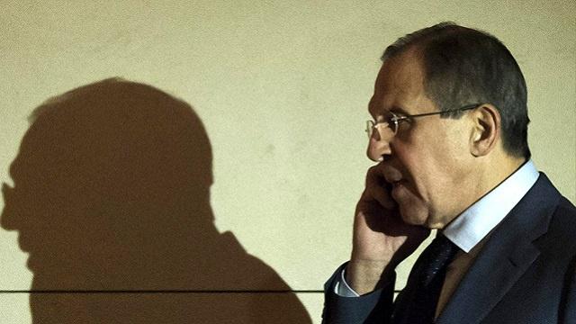 لافروف وكيري يبحثان سبل تسوية الأزمة في أوكرانيا
