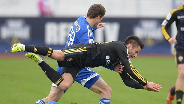 تسيسكا موسكو يكرم ضيفه فولغا بثلاثية ويرتقي إلى المركز الثالث في الدوري