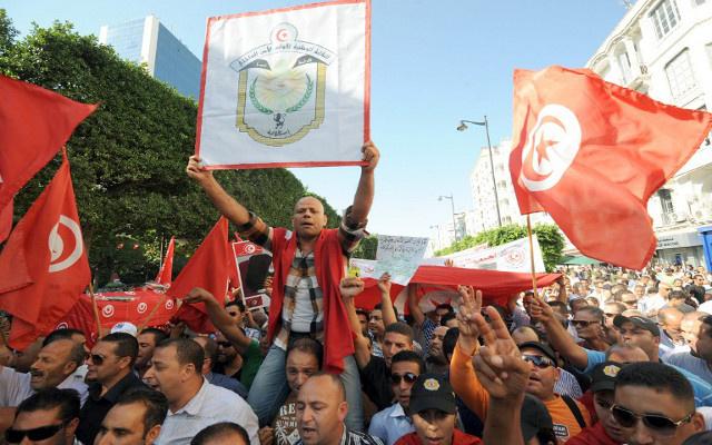 اضراب عام في مدينة بن قردان التونسية القريبة من ليبيا