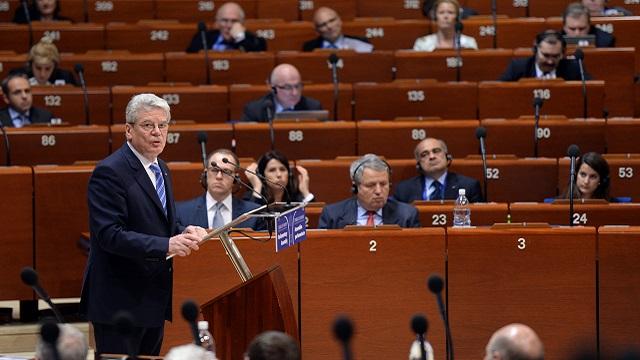 روسيا تقترح على الجمعية البرلمانية لمجلس أوروبا التحقيق في جرائم