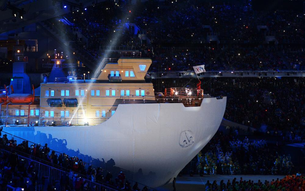 بالصور .. دورة باراولمبياد سوتشي 2014 تختتم بحفل فني مذهل