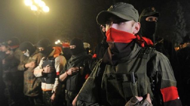 البرلمان الأوكراني يقرر نزع سلاح التشكيلات غير الشرعية