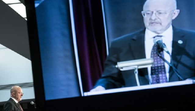 مدير الاستخبارات الأمريكية يعترف بالتجسس على المواطنين دون اللجوء إلى المحكمة