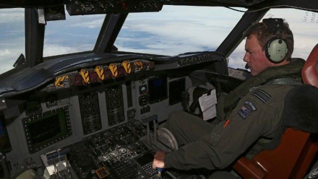 غواصة بريطانية تلتحق بعملية البحث عن الطائرة الماليزية المفقودة