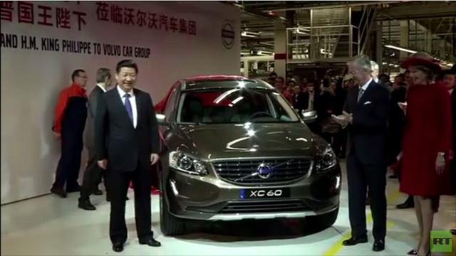 الرئيس الصيني يزور مصنع
