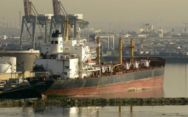 مصرع شخصين وفقدان 11 بعد غرق سفينة بضائع قبالة سواحل كوريا الجنوبية (فيديو)