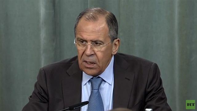 لافروف: لا يمكن تجاوز الأزمة في أوكرانيا دون احترام حقوق جميع مواطني البلاد