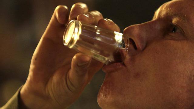 جدل في بريطانيا حول قرار زرع الكبد لمدمني الكحول