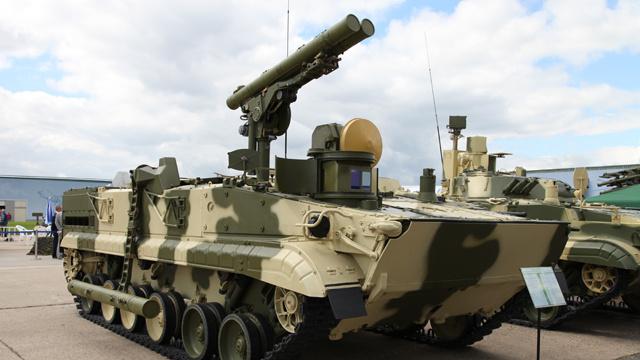 بالفيديو.. استعراض عيد النصر في روسيا هذا العام سيكشف لأول مرة عن سلاح جديد مضاد للدبابات