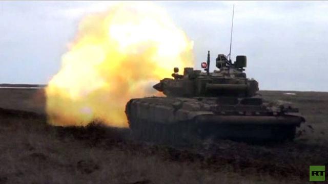 بالفيديو.. مناورات بالذخيرة الحية لدبابة تي 90 في الجيش الروسي