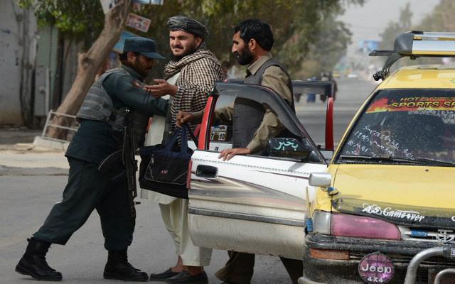 عشية الانتخابات.. الاستخبارات الأفغانية تحبط عملية انتحارية ضخمة