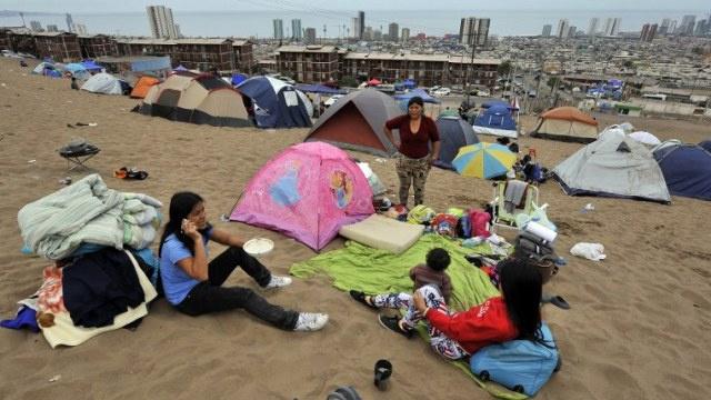 المتضررون من زلزال تشيلي يقطعون الطرقات احتجاجا على غياب مساعدة الحكومة