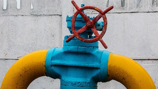 ياتسينيوك: رفع سعر الغاز الروسي ضربة لمصانعنا وسكاننا
