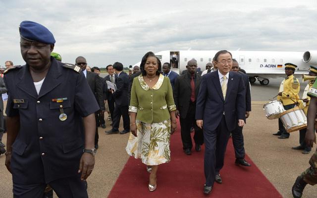 بان كي مون يصل إلى إفريقيا الوسطى في زيارة مفاجئة ويدعو إلى تفادي