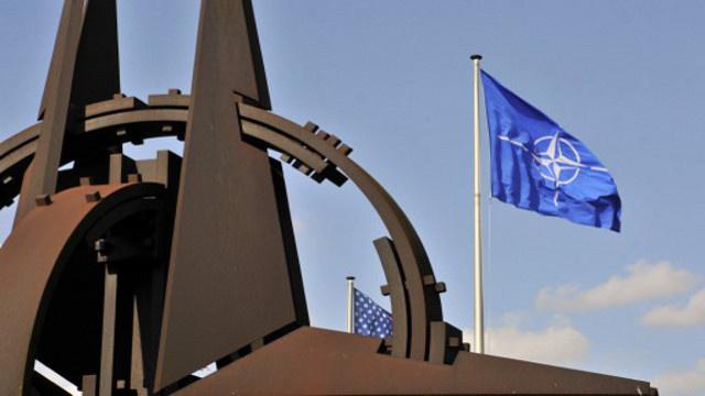 الجمعية البرلمانية للناتو توقف التعاون مع روسيا