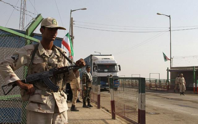حرس الحدود الإيرانيون المختطفون يعودون إلى بلادهم
