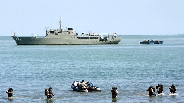 إيران وباكستان تجريان تدريبات بحرية مشتركة بمضيق هرمز