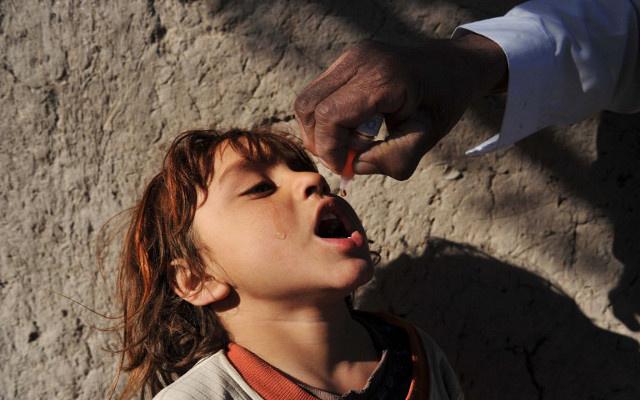 حملة تلقيح ضد شلل الأطفال في العراق بعد الاشتباه في وقوع إصابات