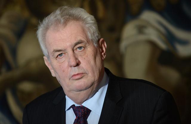 الرئيس التشيكي: على الاتحاد الأوروبي القبول بانضمام القرم الى روسيا