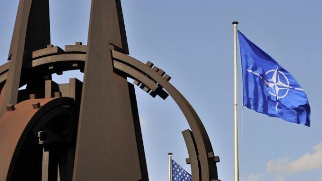 الناتو يقلص حركة أعضاء البعثة الروسية في مقر الحلف