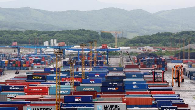 انخفاض في حجم استيراد روسيا للبضائع الأجنبية في الربع الأول من العام