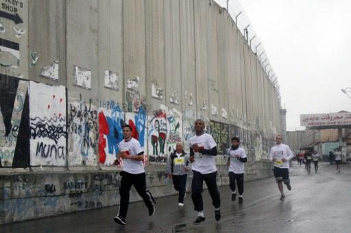 إسرائيل تمنع عداء فلسطينيا من الخروج من غزة للمشاركة في مارثون في الضفة