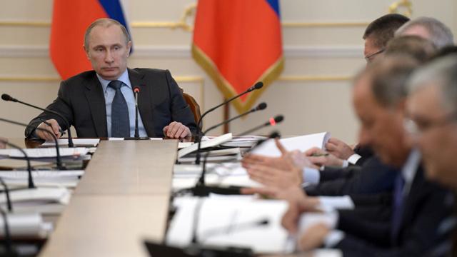 بوتين يدعو للإسراع في عملية تحسين مناخ الأعمال في البلاد