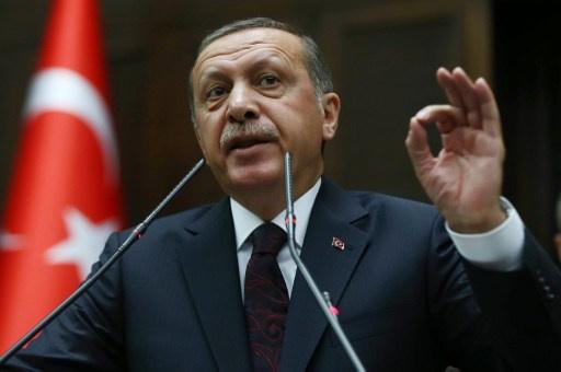أردوغان ينتقد قرار المحكمة برفع الحظر عن