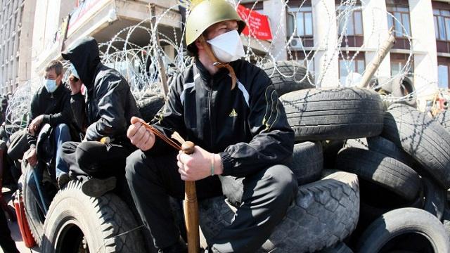 محتجو لفوف الأوكرانية يقتحمون بناية النيابة المحلية للمدينة