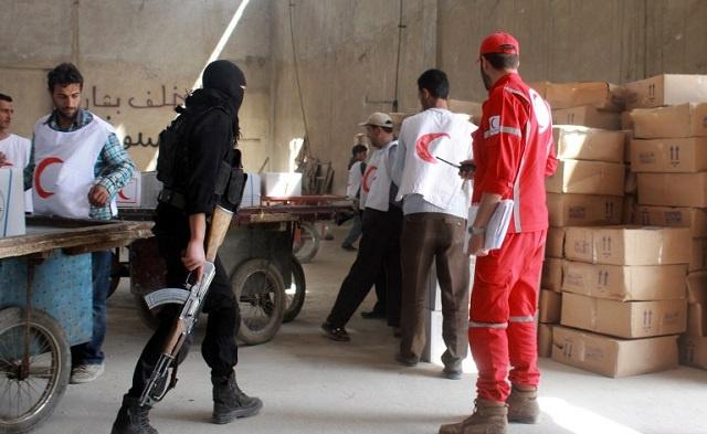 وصول مساعدات إنسانية الى بستان القصر بحلب لأول مرة منذ 10 أشهر