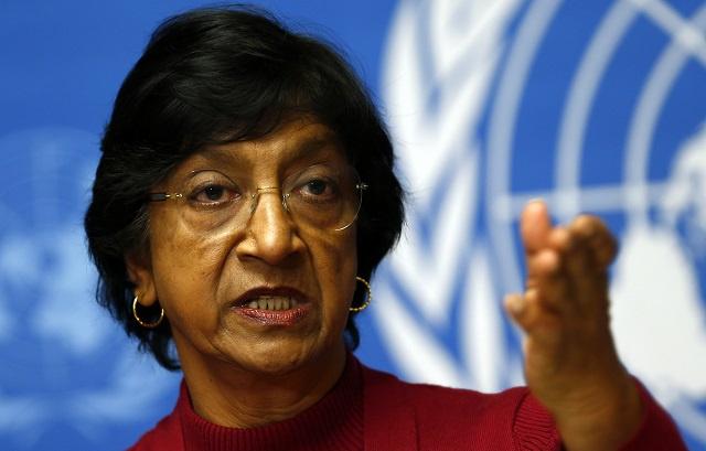 بيلاي تتهم الحكومة السورية بتجاوز المعارضة في انتهاك حقوق الإنسان والجعفري يصفها بـ