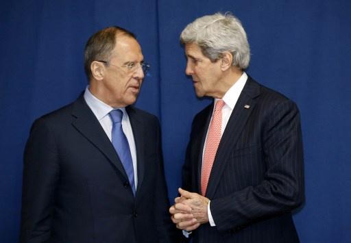 لافروف وكيري يبحثان الوضع الأوكراني