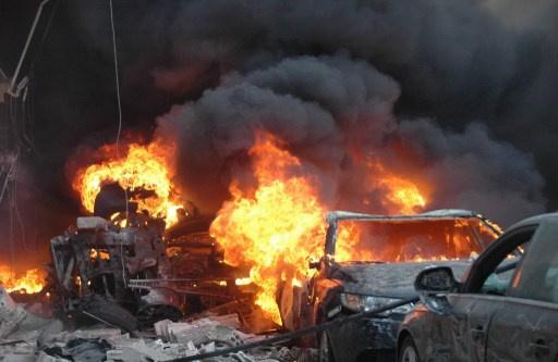 25 قتيلا في تفجيرين بمدينة حمص السورية